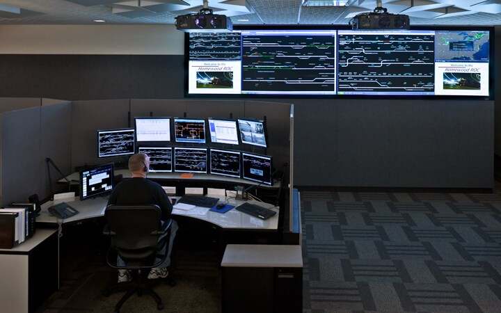 CN RAIL COMMAND CENTER